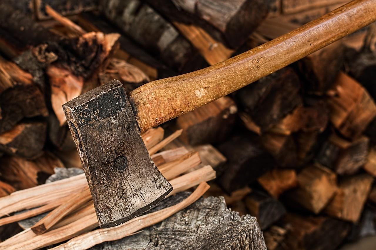Печь на дровах длительного горения: плюсы и минусы