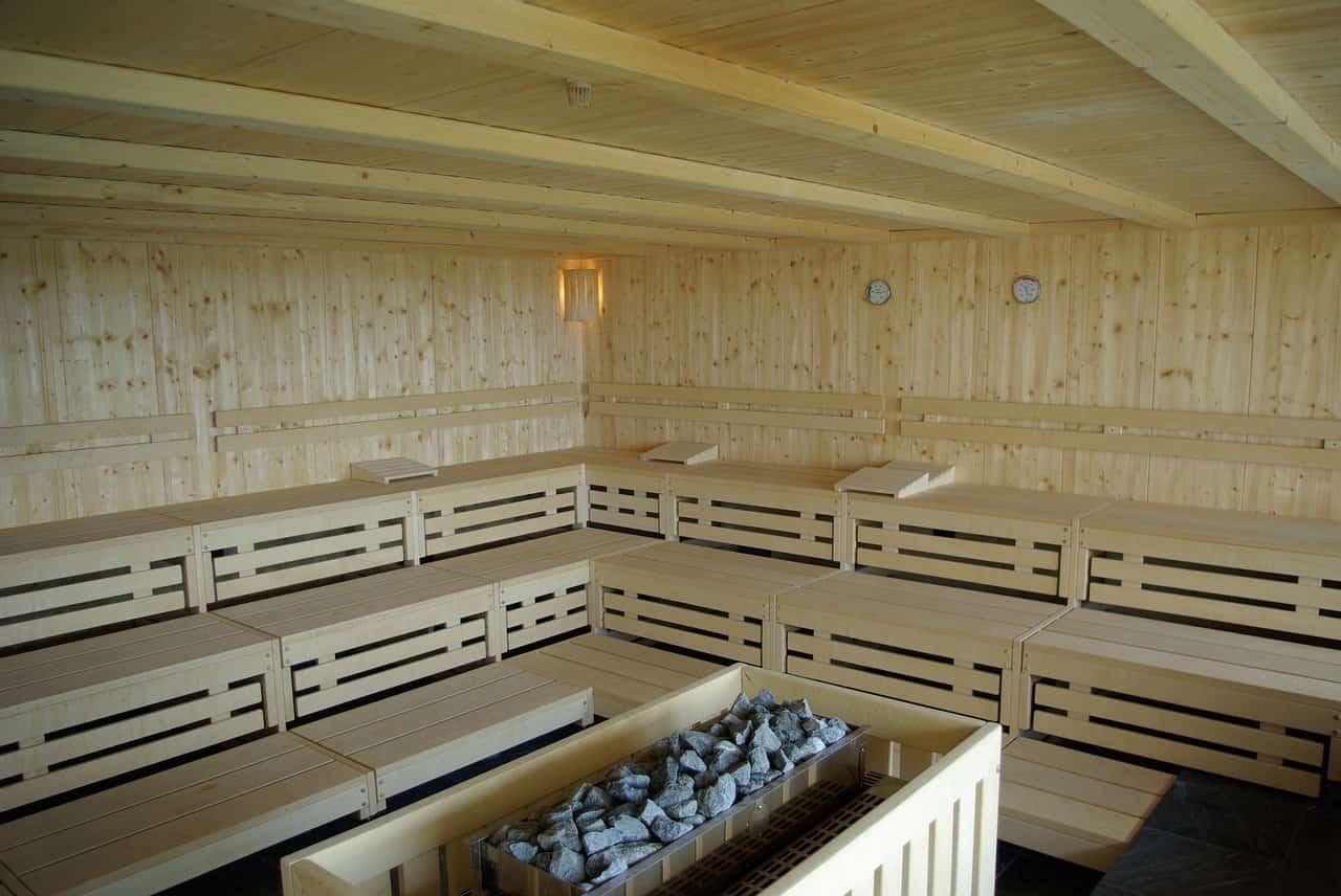 Электрическая печь для бани: плюсы такого отопления