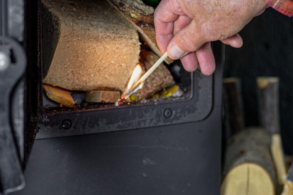 Дровяная печь из чугуна или стали